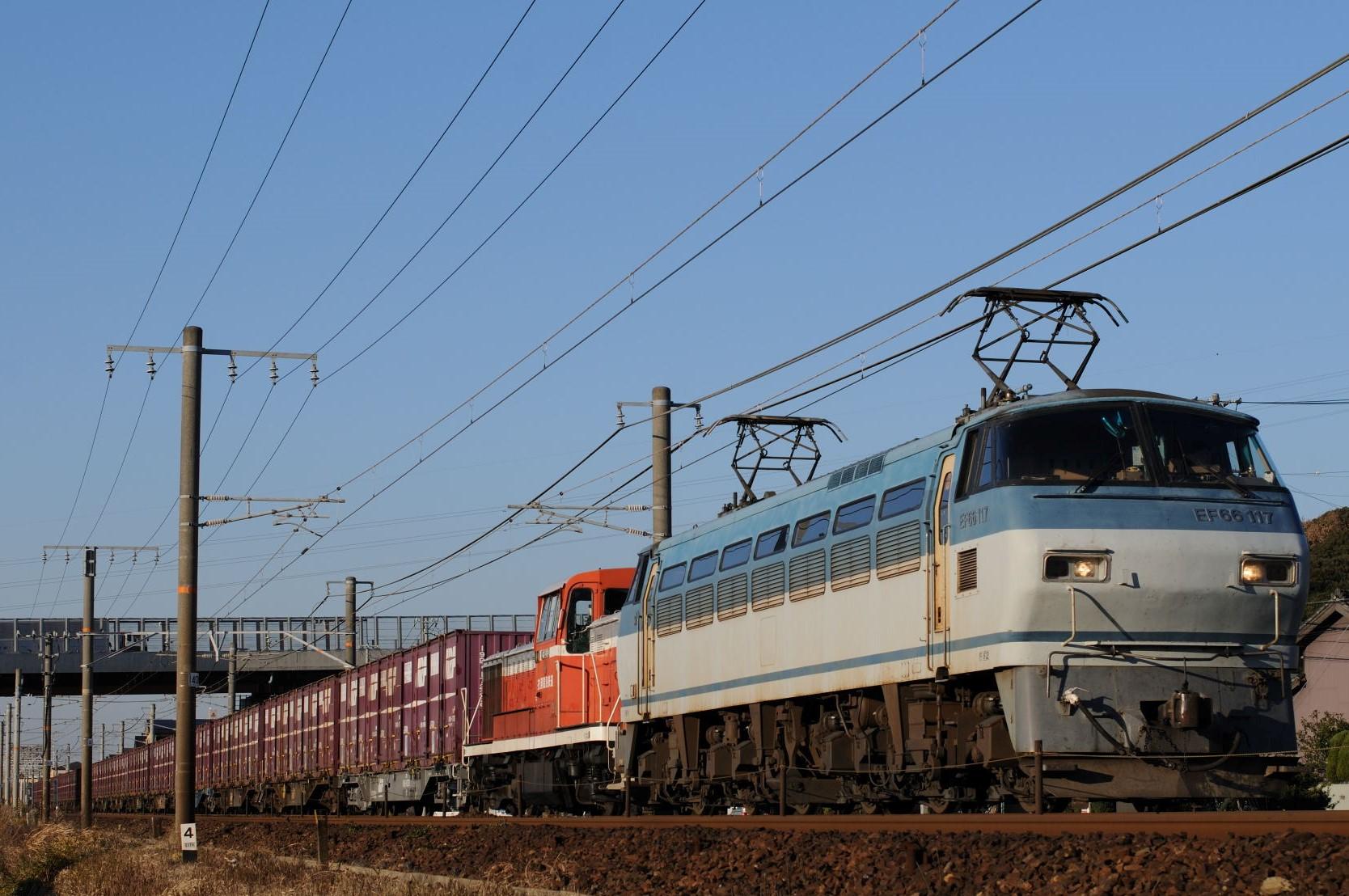 甲種回送される衣浦臨海鉄道KE65