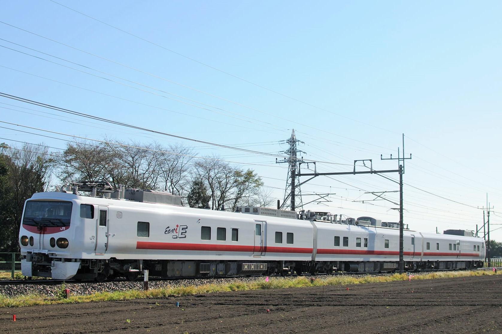E491系East-i Eの回送を東北本線で撮影。