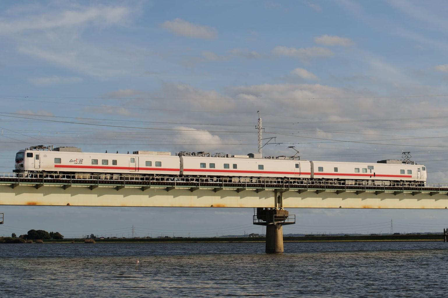 鹿島線に入線したE491系East i-E