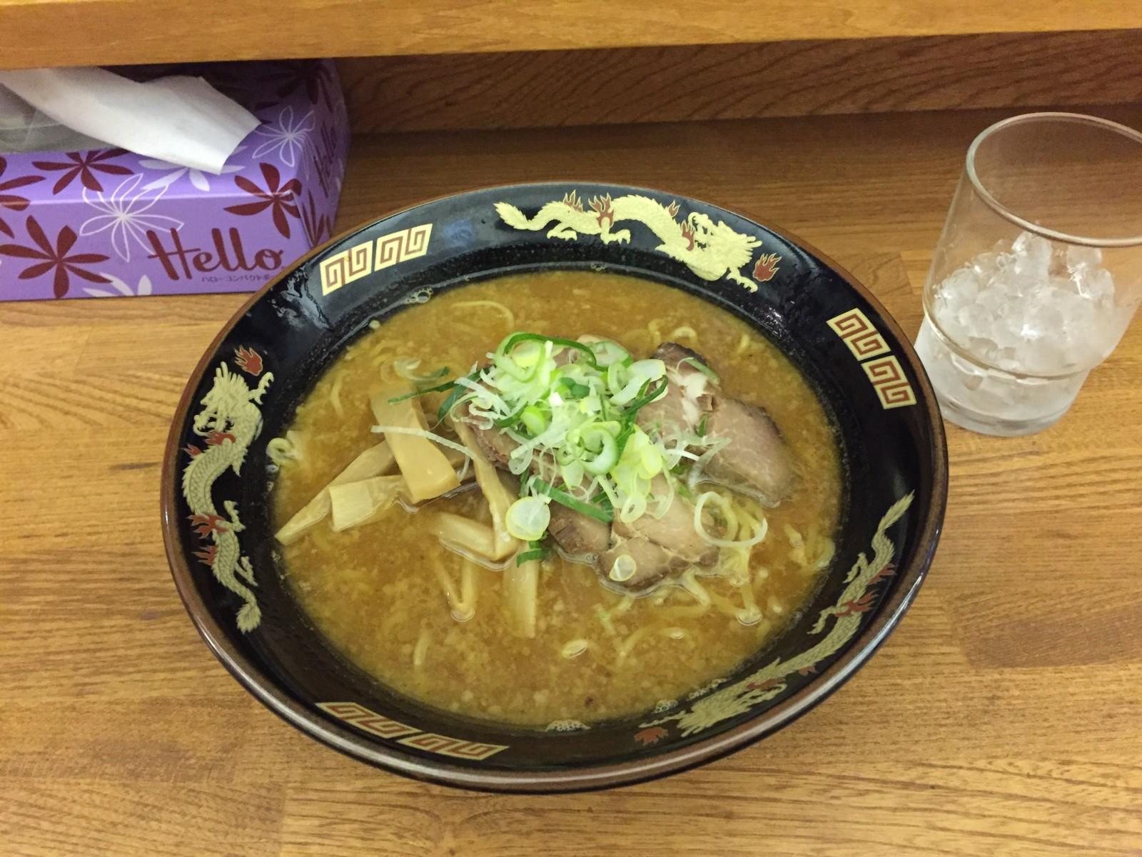 冬の北海道&東日本パス旅行記2015 その5  テツの食卓18 さっぽろラーメン 桑名(札幌市)