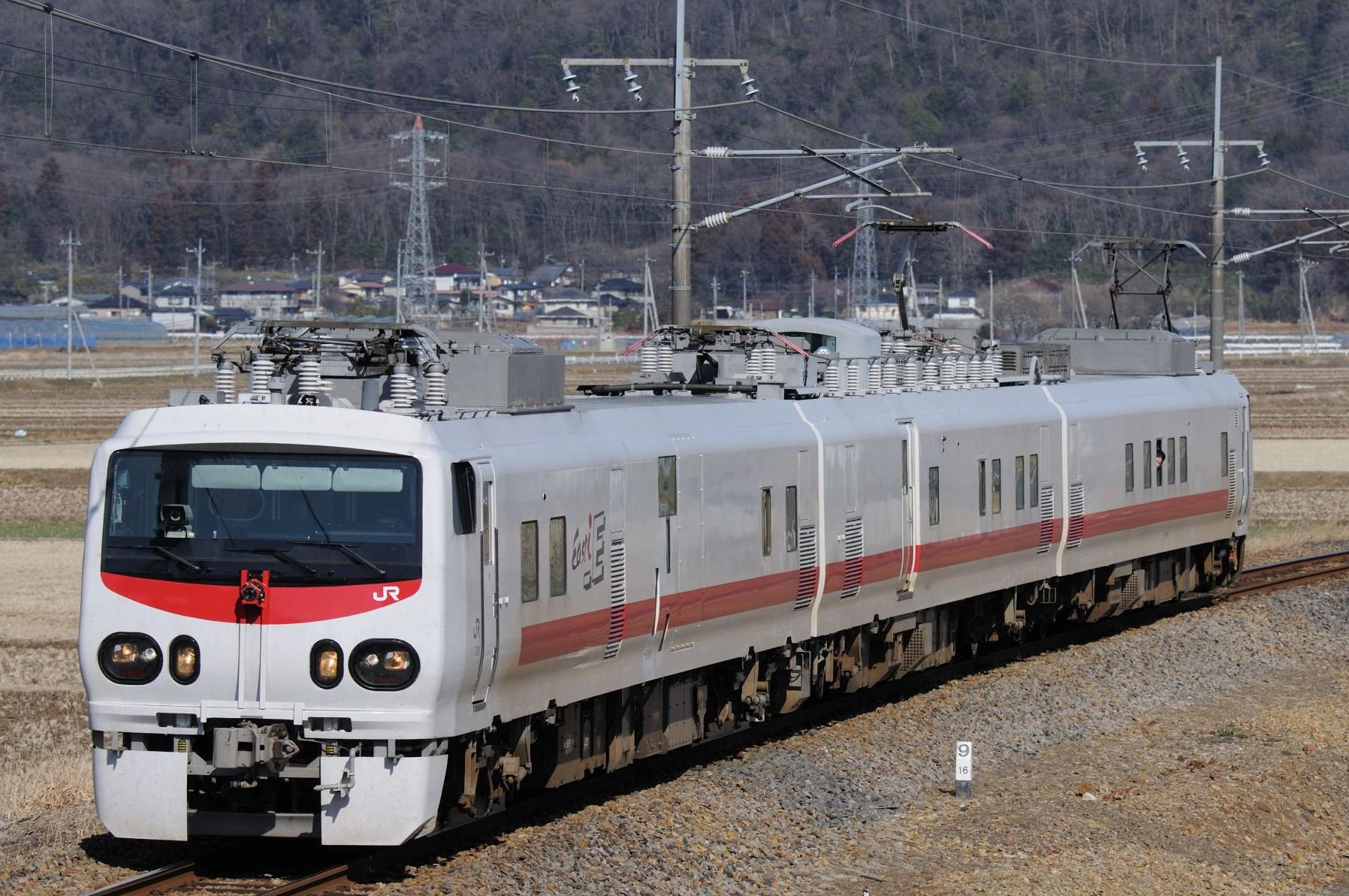 両毛線を検測運転するE491系East i-E