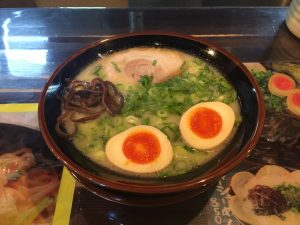 博多ラーメン(煮卵トッピング)